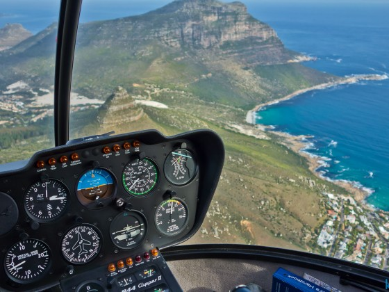 Helicopter flight: between Llandudno and Hout Bay