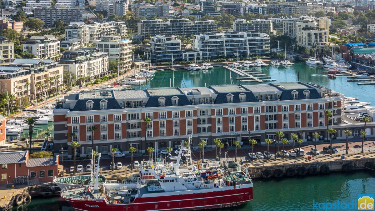 """Cape Grace Hotel and the yacht harbour at the V&A Waterfront seen from the top floor of the """"Silo Hotel"""""""