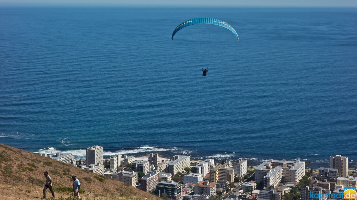 Paragliding from Signal Hill