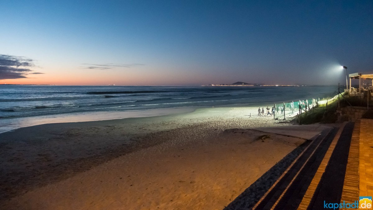 Milnerton beach at Maestro after sunset