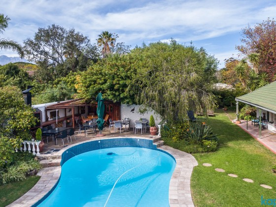 Somer Place Guesthouse in Somerset West - aerial impressions