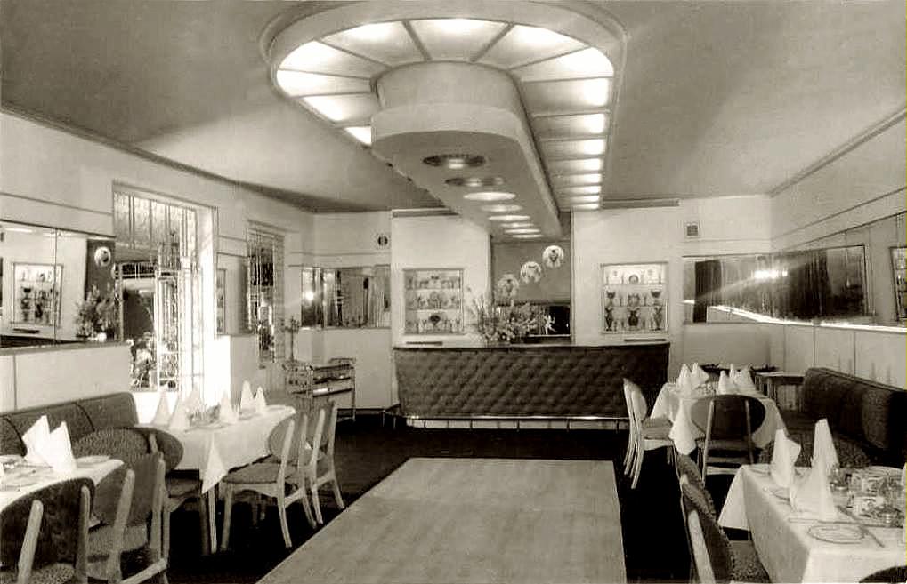 van Riebeeck Hotel, Gordons Bay c1961