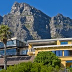 Luxurious houses in Camps Bay (with upper Cablecar Station)