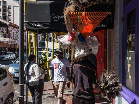 Snapshot and streetscene on Long Street