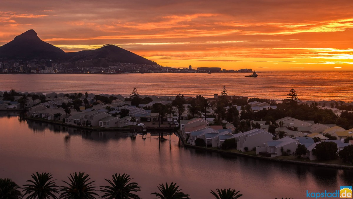 Sunset over Woodbridge Island with Lion's Head and Signal Hill in the distance