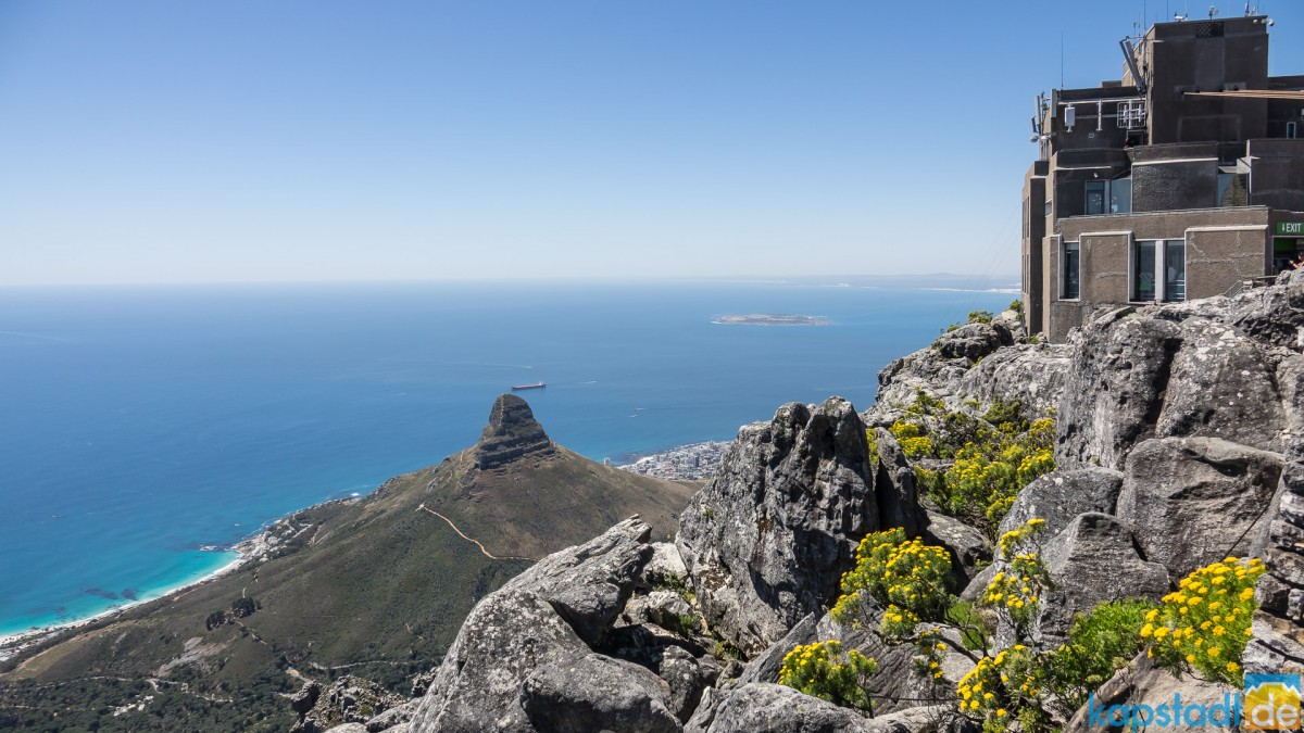 On top of Table Mountain: Upper Cable Car with Lions Head and Robben Island