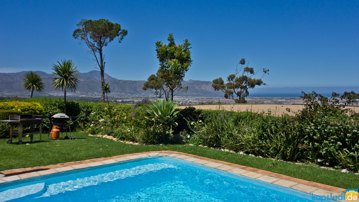 Somerset Sights Guest House in Somerset West
