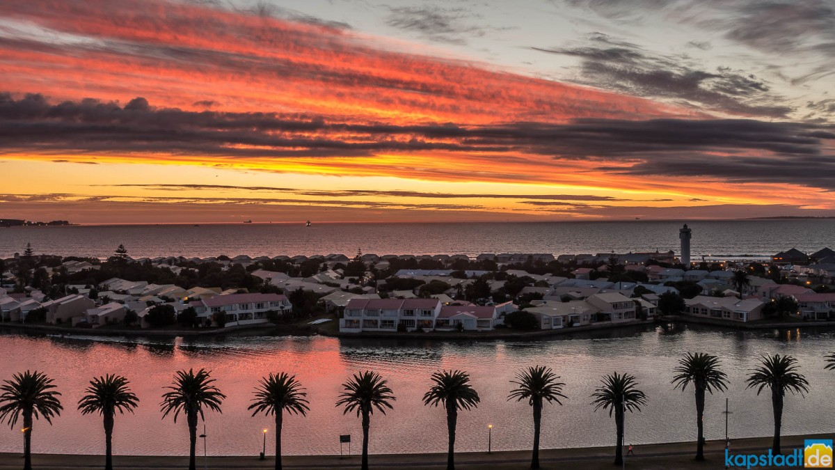 Sunset with Woodbridge Island seen from Milnerton