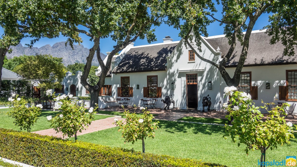 Building on the main road in Franschhoek