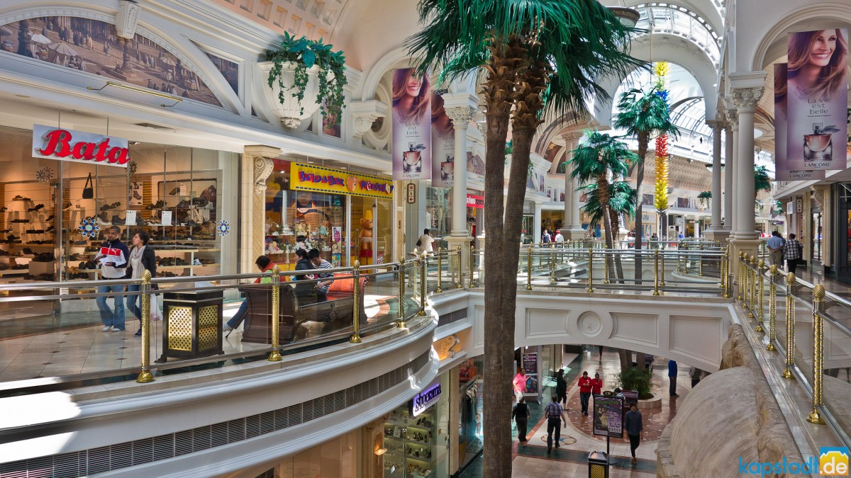 Canal Walk Shopping Mall in Milnerton