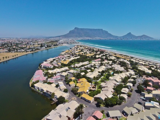 Woodbridge Island with Table Mountain with a drone