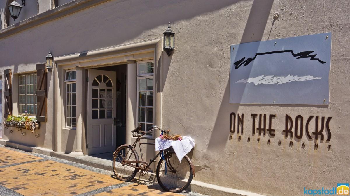 On the Rocks Restaurant at Bloubergstrand