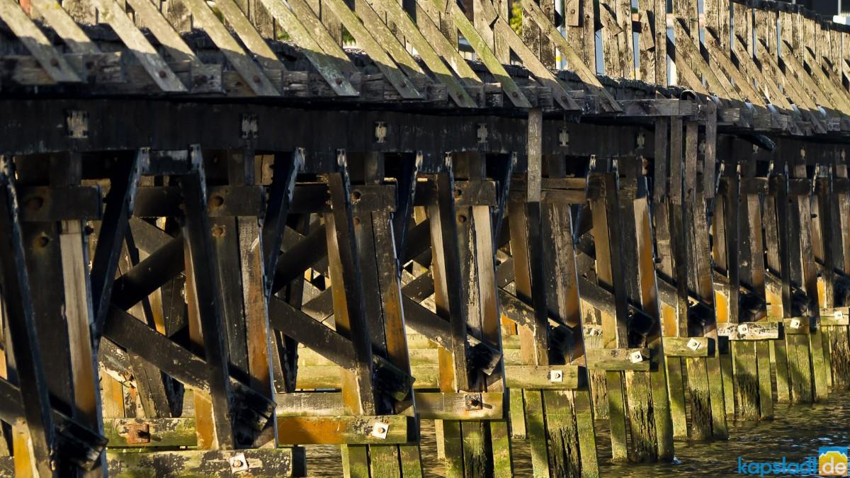 "The old bridge of ""Woodbridge Island"""