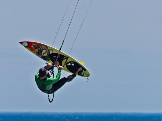 Kitesurfer in Table View