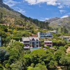 Outside views of Balauvilla Guest House in Hout Bay