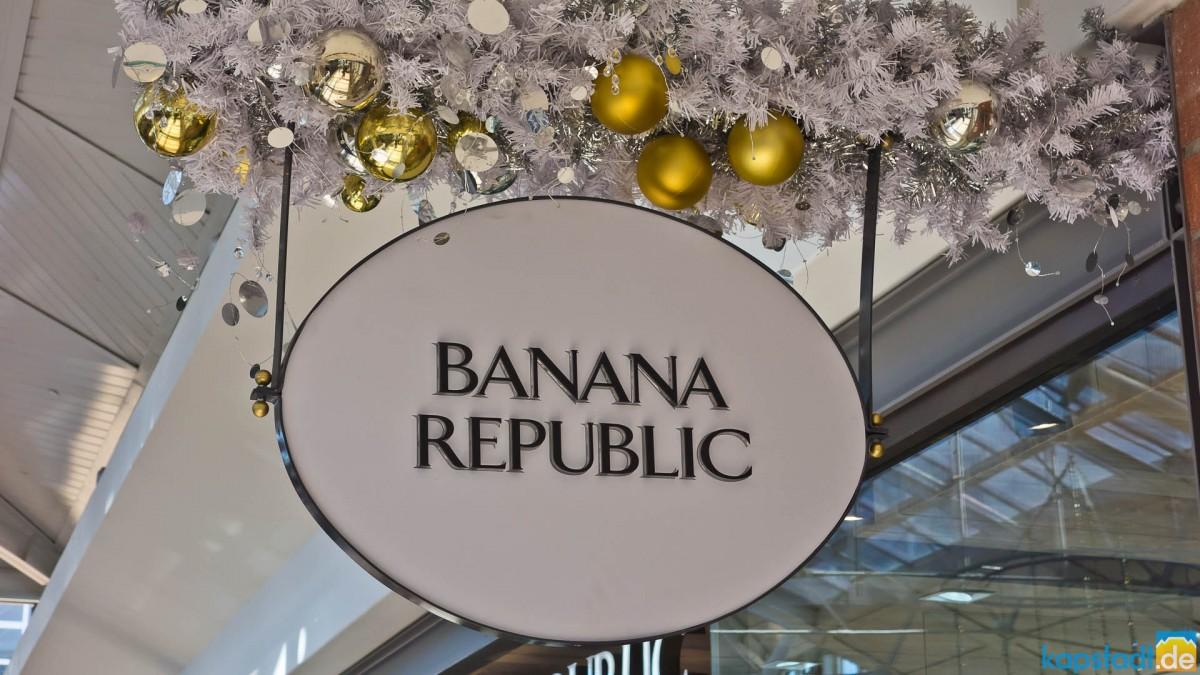 Christmas decoration at the V&A Waterfront (Banana Republic)