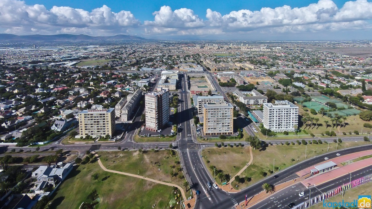 Flat buildings Arnhem, Atlantica and Palo Alto near Loxton Road