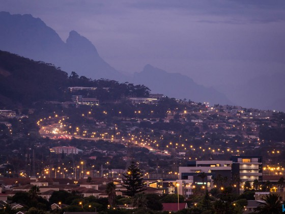 N1 at Plattekloof seen from Milnerton after sunset