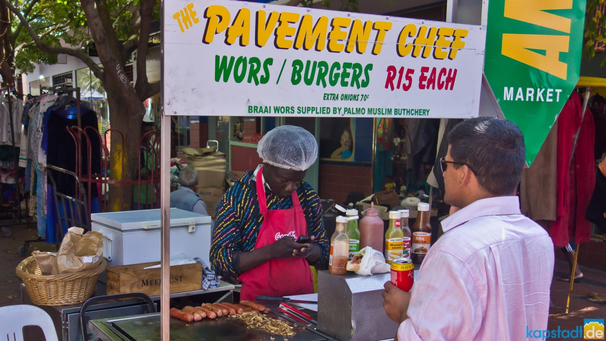 "Wors and borger ""Pavement Chef"" in Church Street (near Greenmarket)"