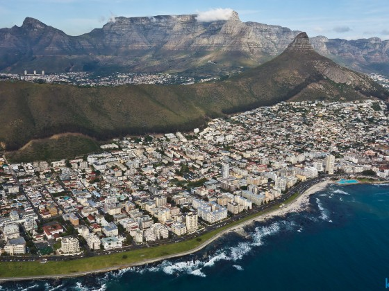Helicopter flight: Table Mountain, Signal Hill and Lion's Head with Sea Point