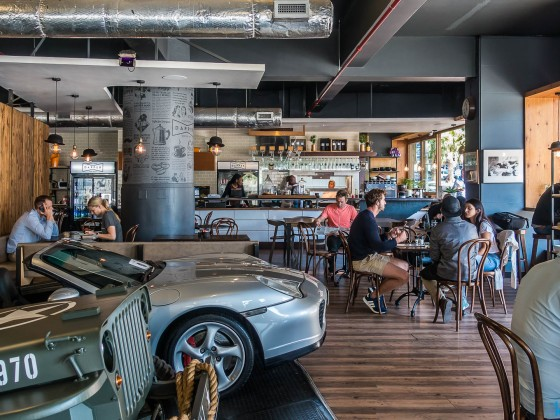 Restaurant with a vintage car dealer in Bree Street in Cape Town