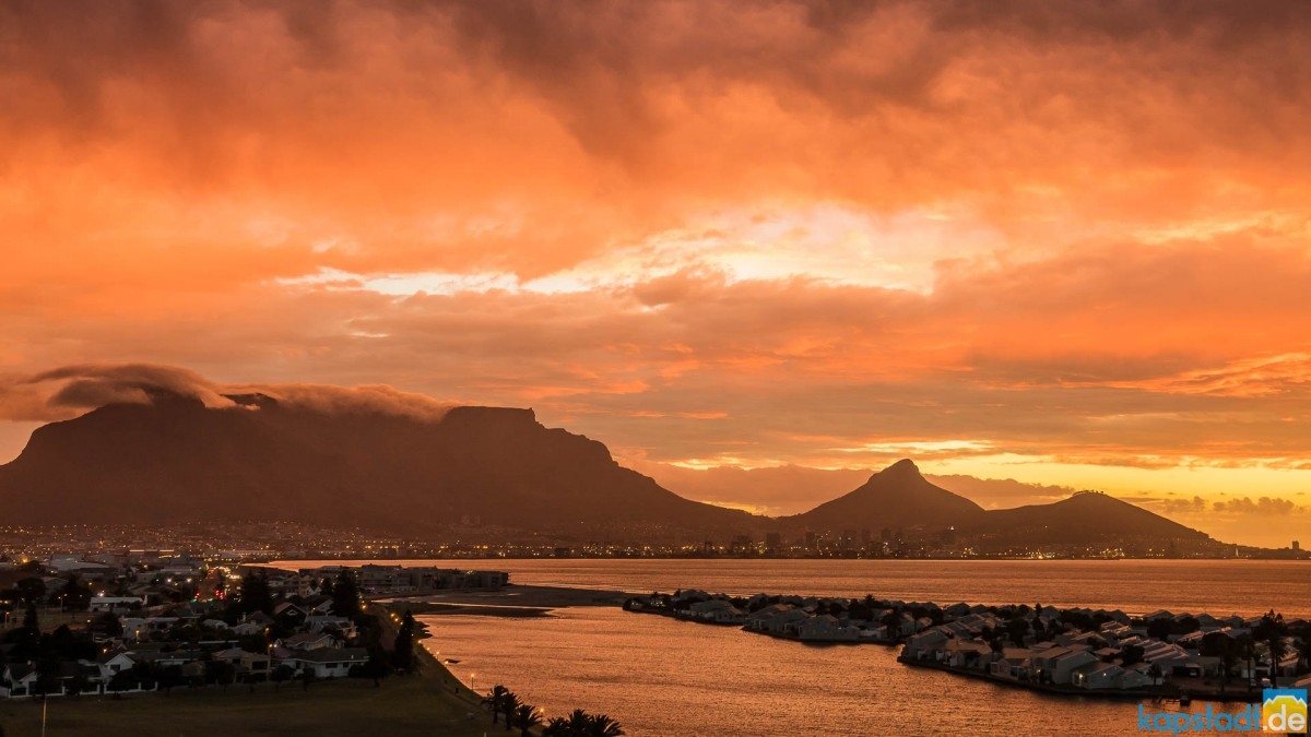 Cape Town City Bowl during sunset seen from Milnerton