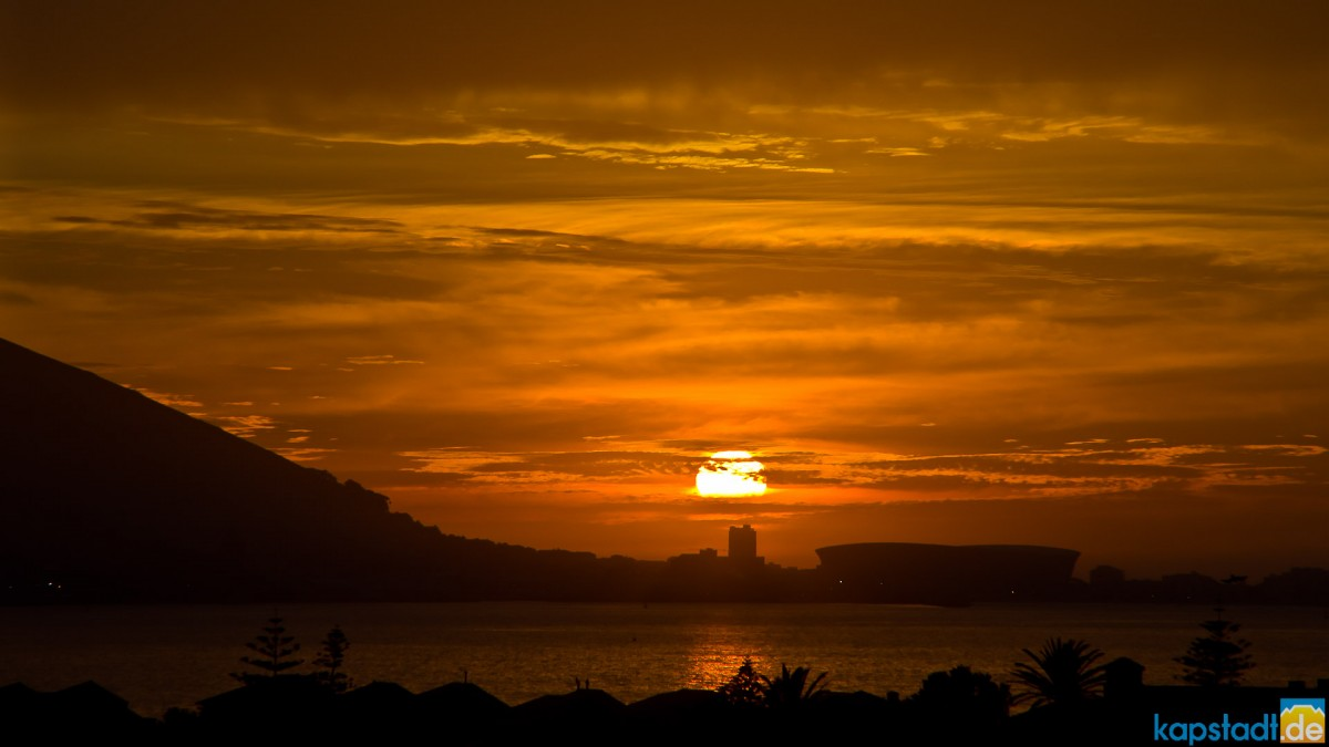 Sunset over the Ritz Hotel in Sea Point seen from Milnerton