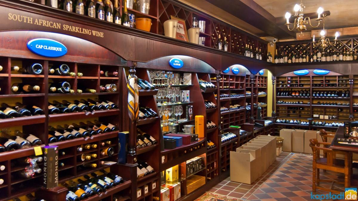 Luxurious wine shop in Loop Street
