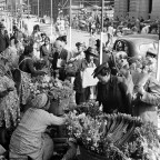 Flower sellers Parliament str. 1946