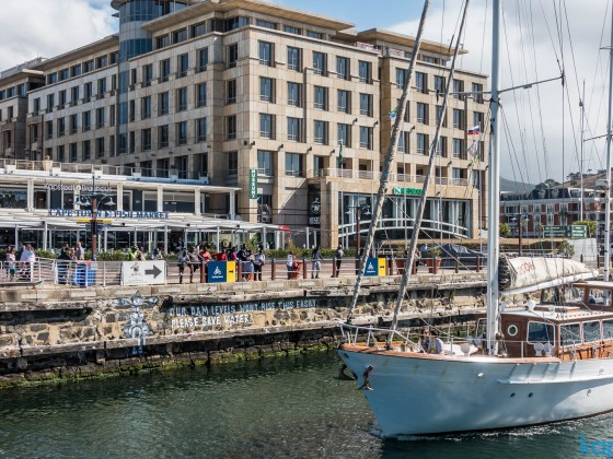 Cape Town Fish Market and Kapstadt Brauhaus at the Clock Tower