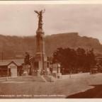 Postkarte War Memorial und Tafelberg