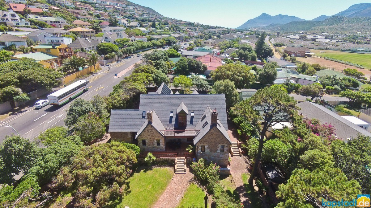 Aerial image of the Villa Honeywood guest house in Fish Hoek