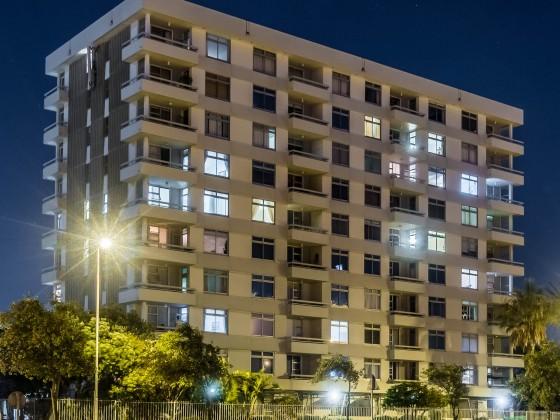 Palo Alto flats at night