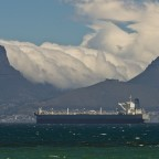 Massive cloud on Table Mountain during South Easter