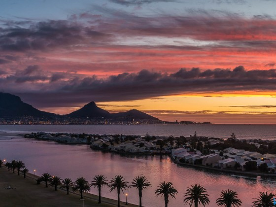 Sunset with Table Mountain and Woodbridge Island seen from Milnerton