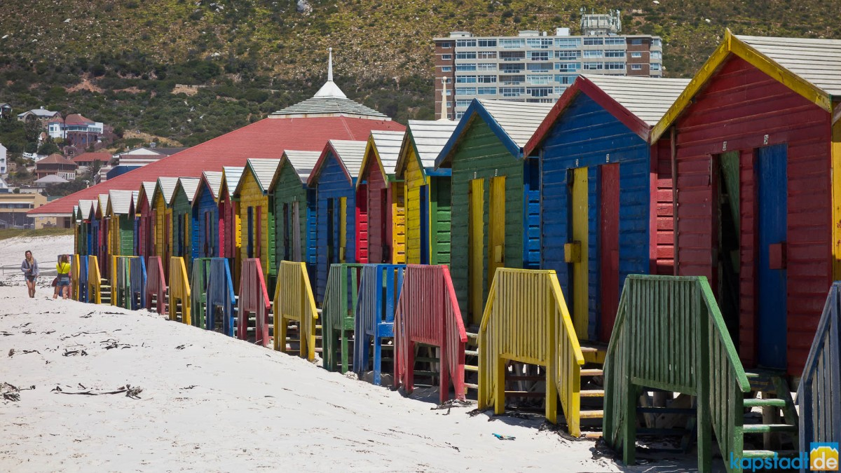 Beach of Muizenberg with colorfull huts