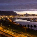 Table Mountain with Woodbridge Island with the R27