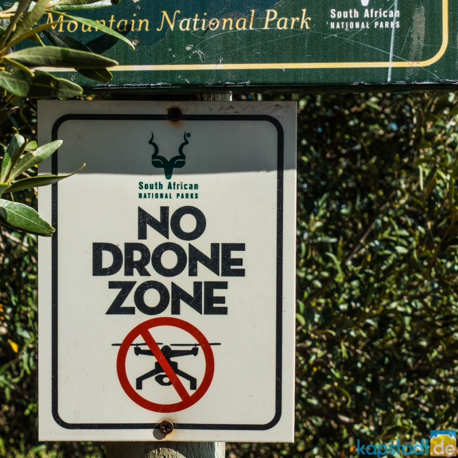 """No Drone Zone"" on Signal Hill in Cape Town"