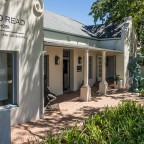 Franschhoek - building on the main road