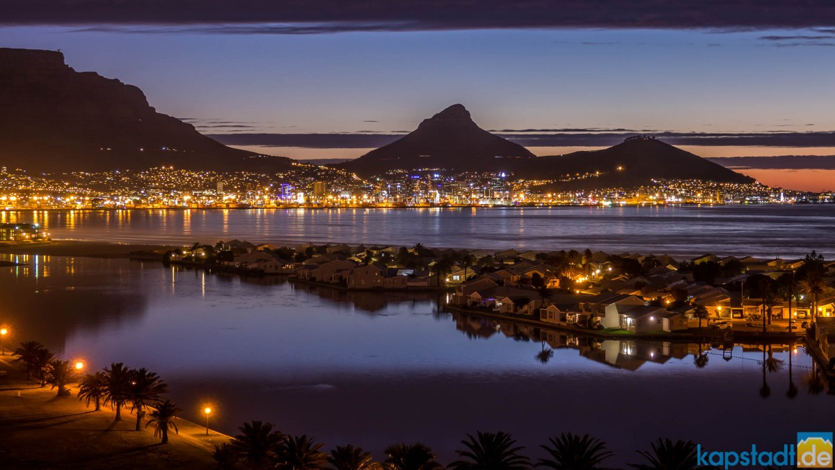 Especially clear view of Woodbridge Island, Table Mountain, Lion's Head and Signal Hill