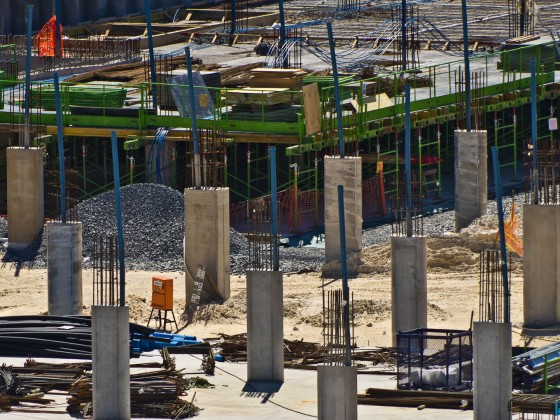Construction of the new Centre Point Mall