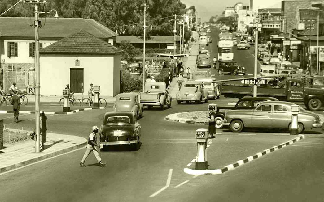 Traffic circle, Voortrekker road, 1951